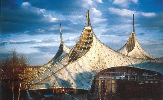 اولین سقف متحرک دنیا